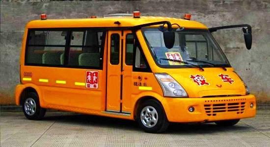 五菱19座小学生校车