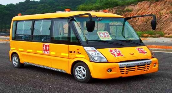 五菱18座小学生校车